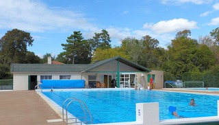 "Camping ""Le Bois Dinot"" - Marans"
